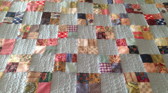 "Four Patch baby quilt ""Where's Teddy"""