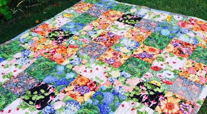 Free Crochet Lap Quilt Patterns : Susie s Garden Lap Quilt ? Free Pattern susies-scraps.com
