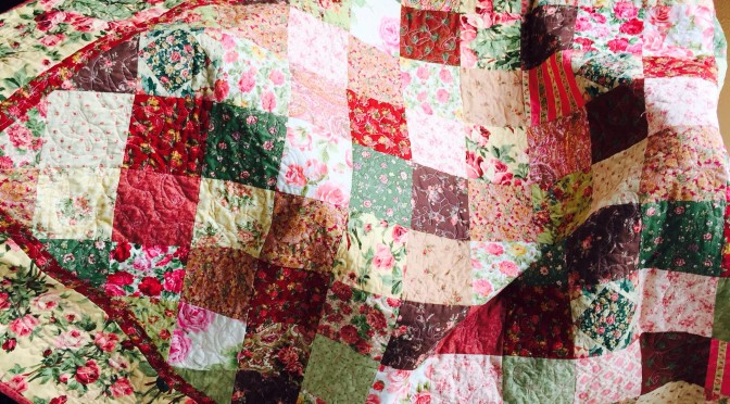 Susie's Roses Romance Quilt and Free Pattern