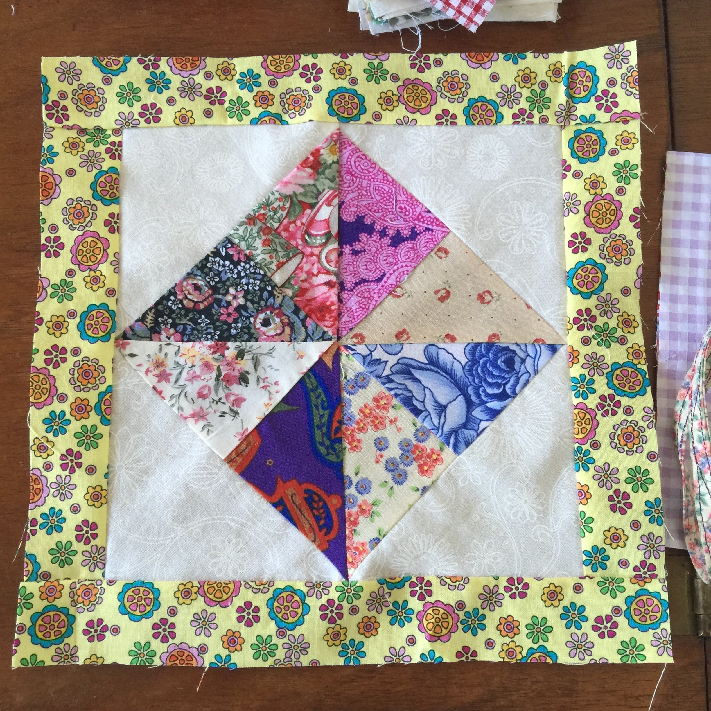 Pinwheel block from multiple strips