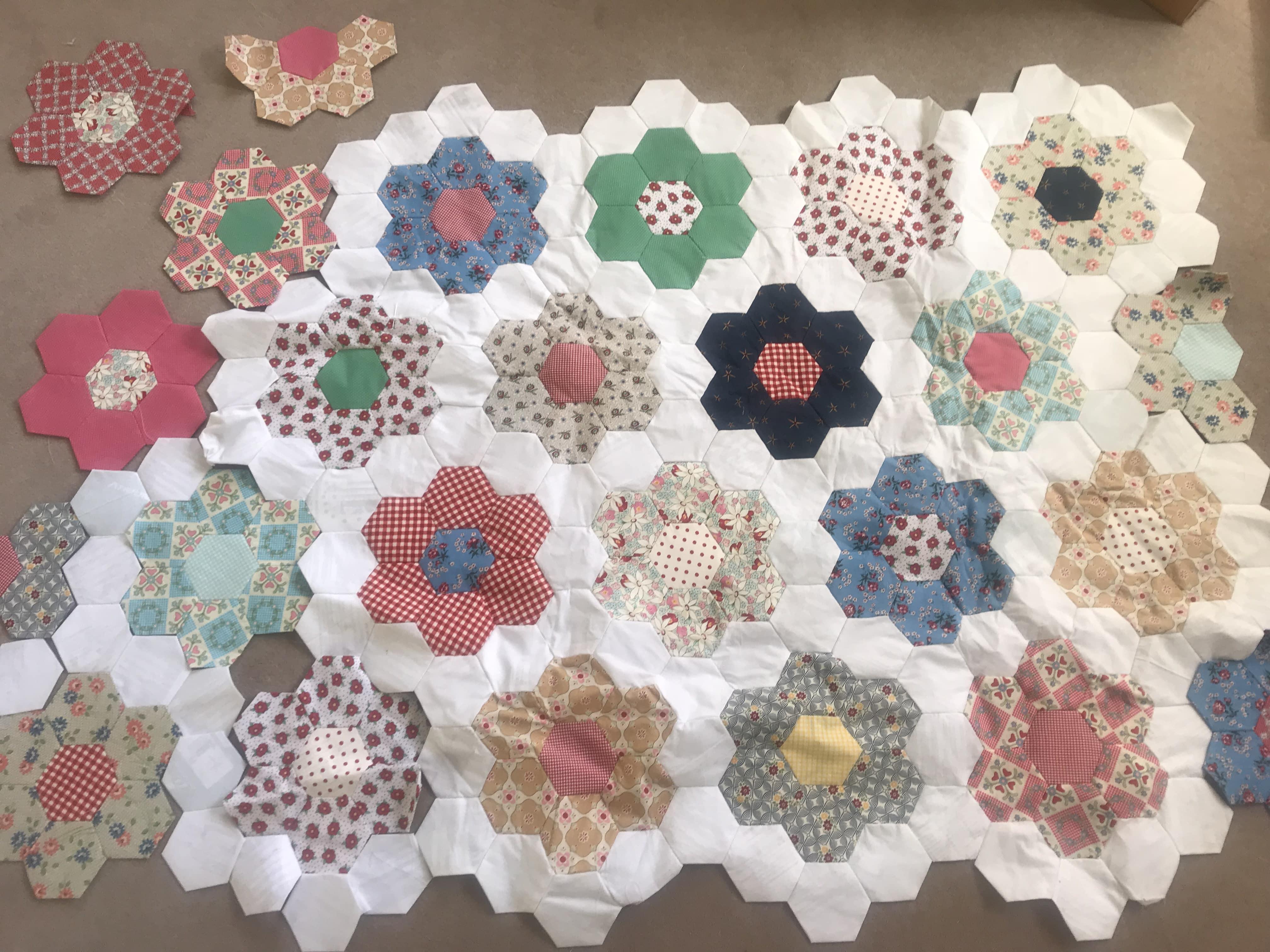 Grandmother S Flower Garden Quilt In Progress Susies Scraps Com